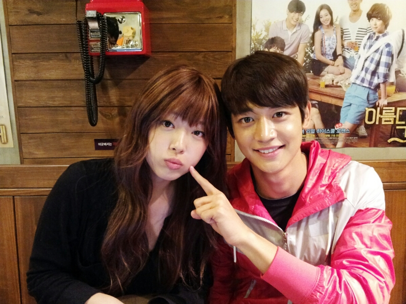 [ME2DAY] 120829 Minho & Sulli – SHINee World Indonesia